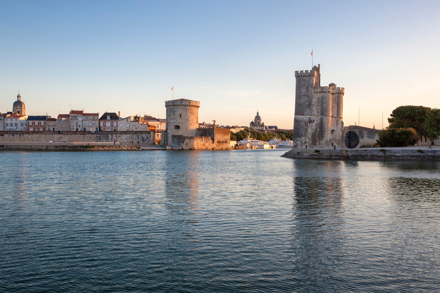photo tours de la Rochelle au crépuscule